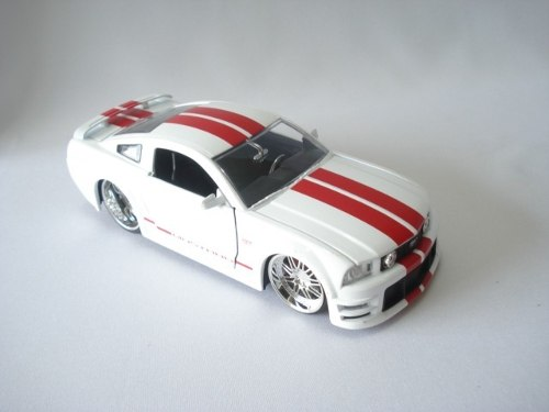 Carrinho Metal Ford Mustang Gt 2006 Muscle Car Big Time  - Presente Presente