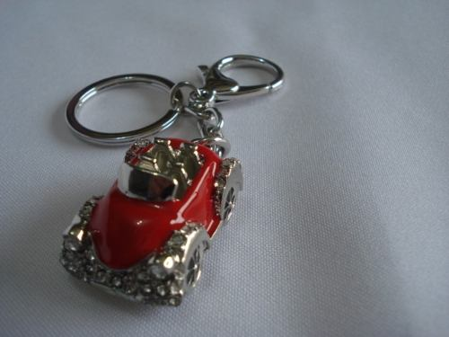 Chaveiro Carrinho Vermelho Carro Vintage Com Brilhos  - Presente Presente