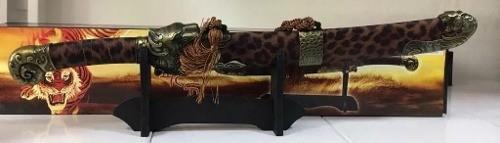 Punhal Adaga Tigre 58cm C/suporte Mesa  - Presente Presente