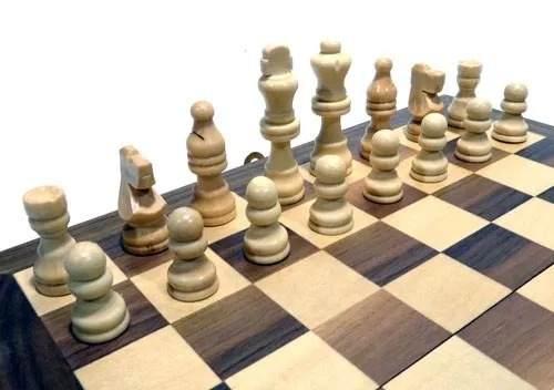 Jogo De Xadrez E Gamão 30x30 Em Madeira  - Presente Presente