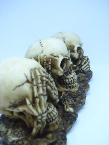 Enfeite Caveira Trio Crânios Surdo Mudo Cego  - Presente Presente