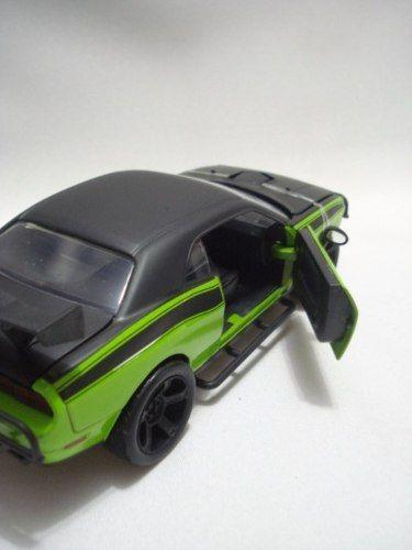 Mini Carrinho Dodge Challenger Srt8 Velozes E Furiosos 1//24  - Presente Presente