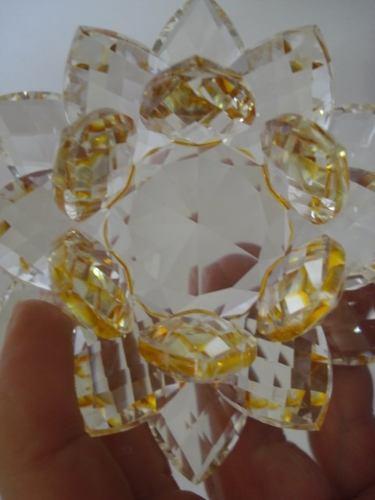 Flor De Lótus De Cristal Transparente Amarela 9cm  - Presente Presente