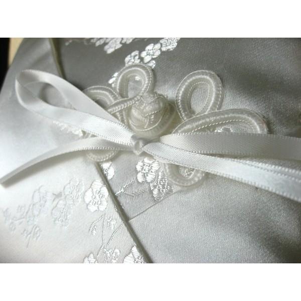 Almofada para Alianças Cherry - Porta-Aliança de Casamento