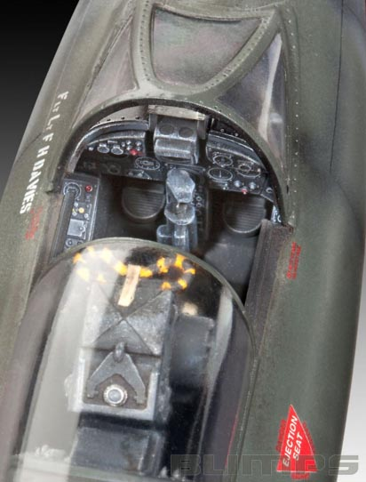 Hawker Hunter FGA.9/Mk.58 - 1/32 - Revell 04703  - BLIMPS COMÉRCIO ELETRÔNICO