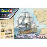 Gift-Set HMS Victory - Batalha de Trafalgar - 1/225 - Revell 05767