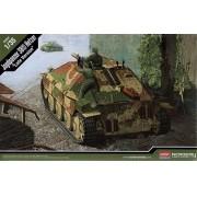 """Jagdpanzer 38(t) Hetzer """"Late Version"""" - 1/35 - Academy 13230"""