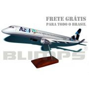 Maquete Embraer 195 Azul/TRIP (prefixo PR-AXV) - 48 cm