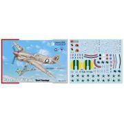 P-40K-1/5 - 1/72 - Special Hobby 72379 com decalques FAB