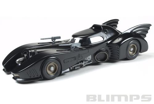 Batmóvel 1989 - 1/25 - AMT 935  - BLIMPS COMÉRCIO ELETRÔNICO