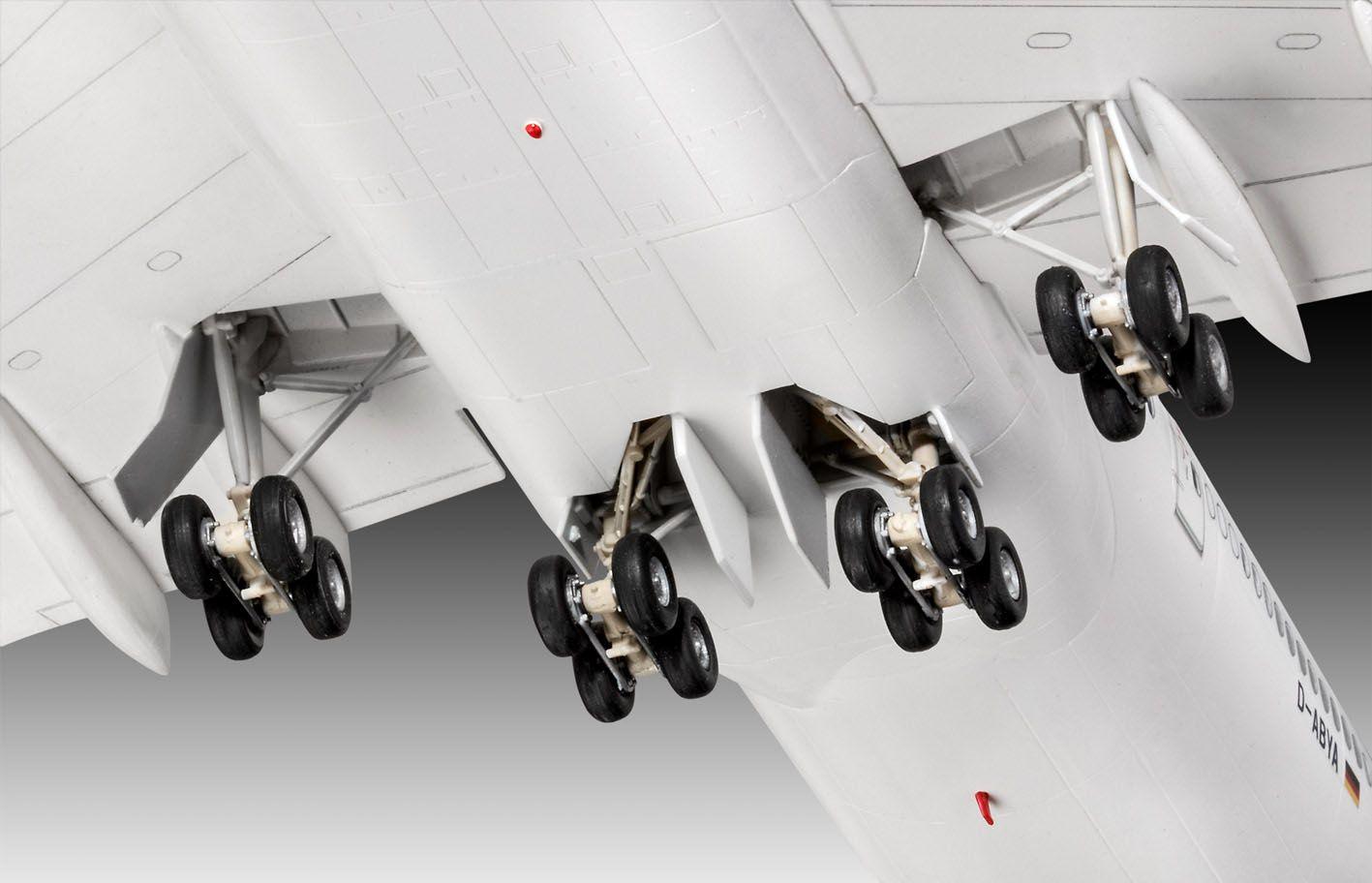 Boeing 747-8 Lufthansa New Livery - 1/144 - Revell 03891  - BLIMPS COMÉRCIO ELETRÔNICO