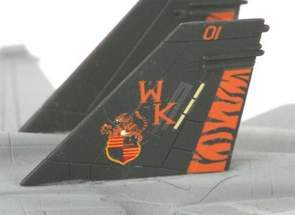 "F/A-18D Hornet Wild ""Weasel"" - 1/144 - Revell 04064  - BLIMPS COMÉRCIO ELETRÔNICO"