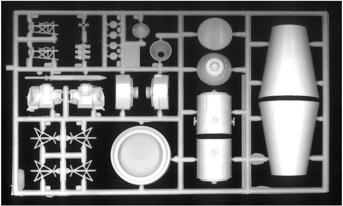 Foguete Saturno V - 1/200 - AMT 1174  - BLIMPS COMÉRCIO ELETRÔNICO