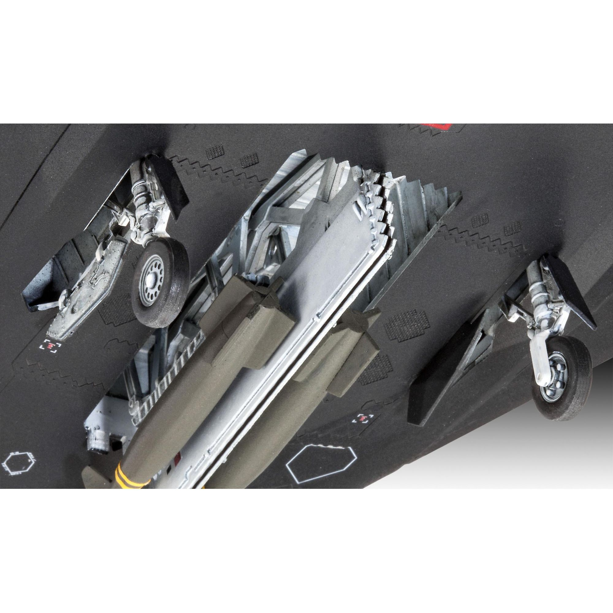 Lockheed Martin F-117A Nighthawk - 1/72 - Revell 03899  - BLIMPS COMÉRCIO ELETRÔNICO