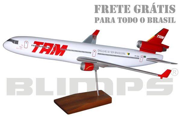 Maquete McDonnell Douglas MD-11 TAM - 50 cm  - BLIMPS COMÉRCIO ELETRÔNICO