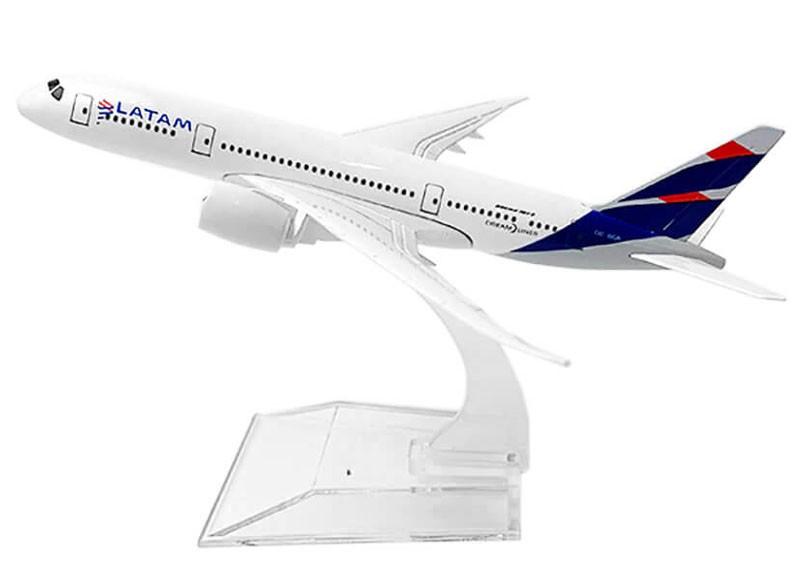 Miniatura Boeing 787 da LATAM - 16 cm  - BLIMPS COMÉRCIO ELETRÔNICO