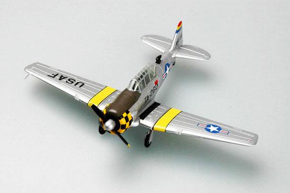 North American T-6G - 1/72 - Easy Model 36318  - BLIMPS COMÉRCIO ELETRÔNICO