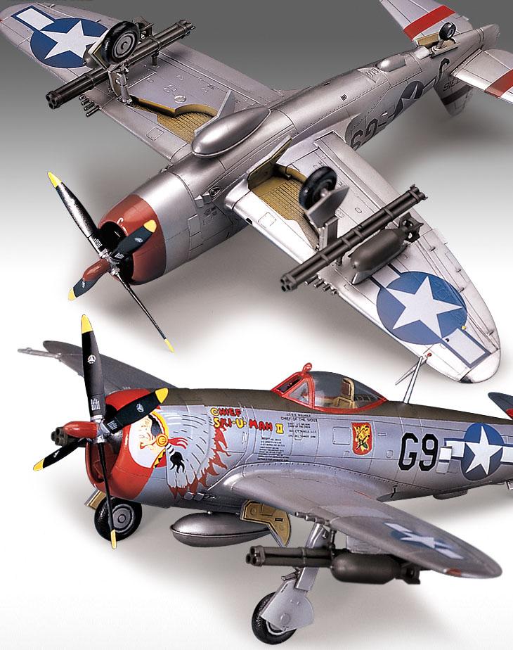"""P-47D """"Bubble Top"""" - 1/72 - Academy 12491  - BLIMPS COMÉRCIO ELETRÔNICO"""