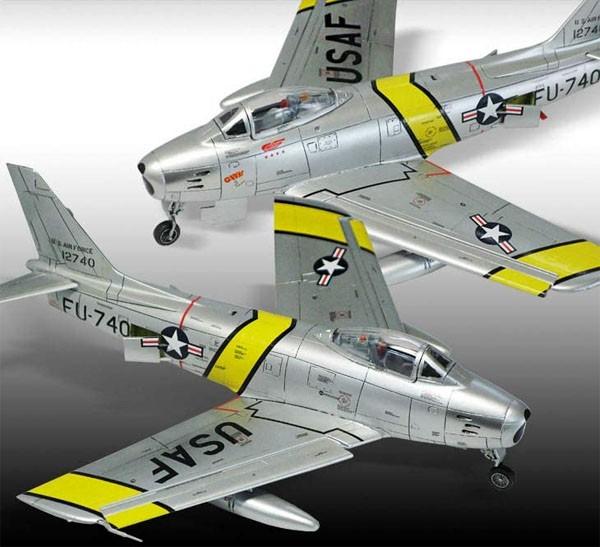 """P-47D e F-86E """"Gabreski"""" - 1/72 - Academy 12530  - BLIMPS COMÉRCIO ELETRÔNICO"""
