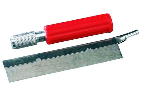 Serra manual com 1 lâmina de dentes finos - Revell 88-6964  - BLIMPS COMÉRCIO ELETRÔNICO