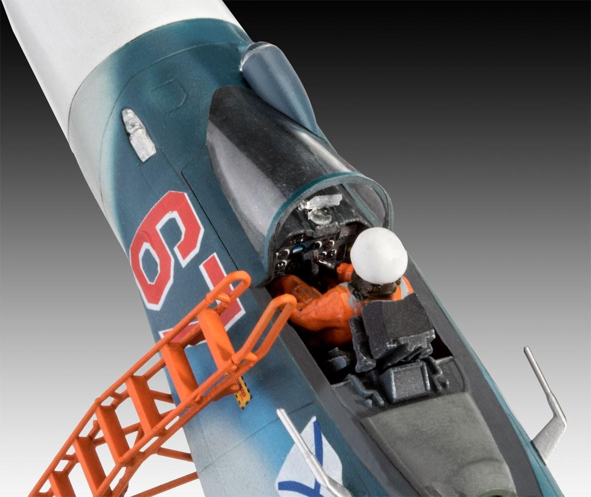 Sukhoi Su-33 Flanker D - 1/72 - Revell 03911  - BLIMPS COMÉRCIO ELETRÔNICO
