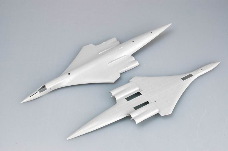 Tu-160 BlackJack - 1/144 - Trumpeter 03906  - BLIMPS COMÉRCIO ELETRÔNICO