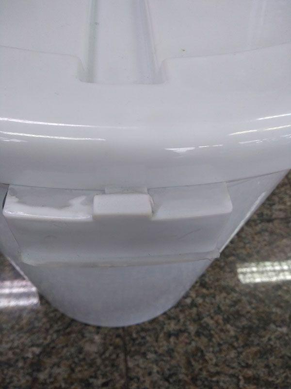 Cestão 50 Litros Branco com Tampa, Trava e Alça em Aço