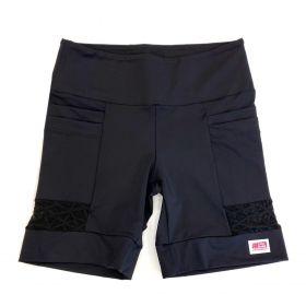 Bermuda 4 bolsos em sportiva preto e detalhe tule