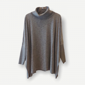 Blusa ampla Renata cinza tricot
