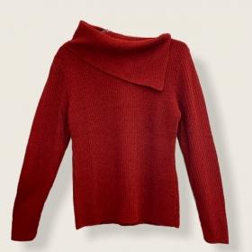 Blusa Dani gola caída vermelho queimado tricot