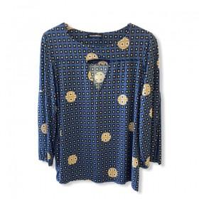 Blusa em malha fria estampada azul