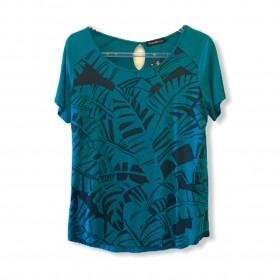 Blusa estampa folhagem verde