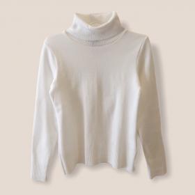 Blusa gola rolê branca tricot
