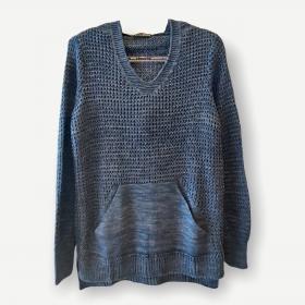 Blusa Bianca capuz e bolso azul tricot