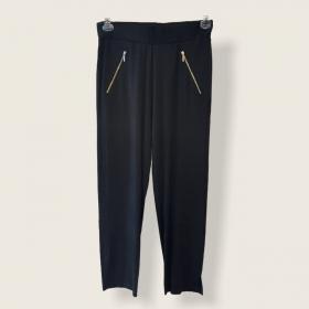 Calça em malha com elástico na cintura preta