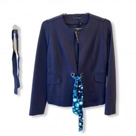 Casaqueto com ilhos e faixas azul marinho