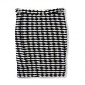 Saia lãzinha xadrez preta e branca