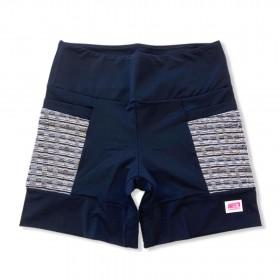 Shorts 4 bolsos em sportiva preto e bolso preto e branco rajado