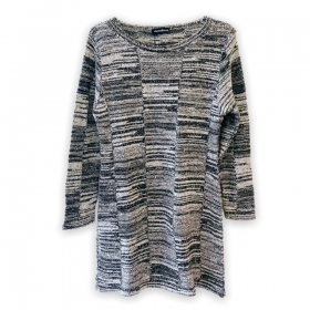 Vestido em tricô cinza mesclado