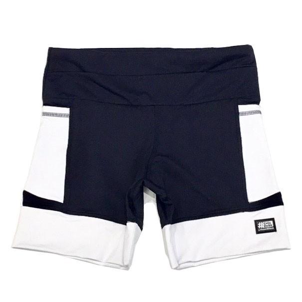 Shorts de compressão mil bolsos em compress preto com bolsos e barra branco