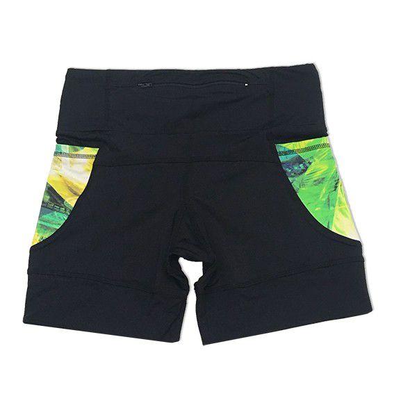 Shorts de compressão 1500 bolsos em sportiva preto com bolsos laterais estampa Brasil   - Vivian Bógus