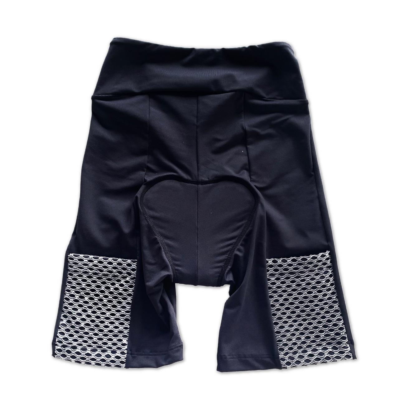 Bermuda de ciclismo em compress unissex preta bolso telinha cinza  - Vivian Bógus