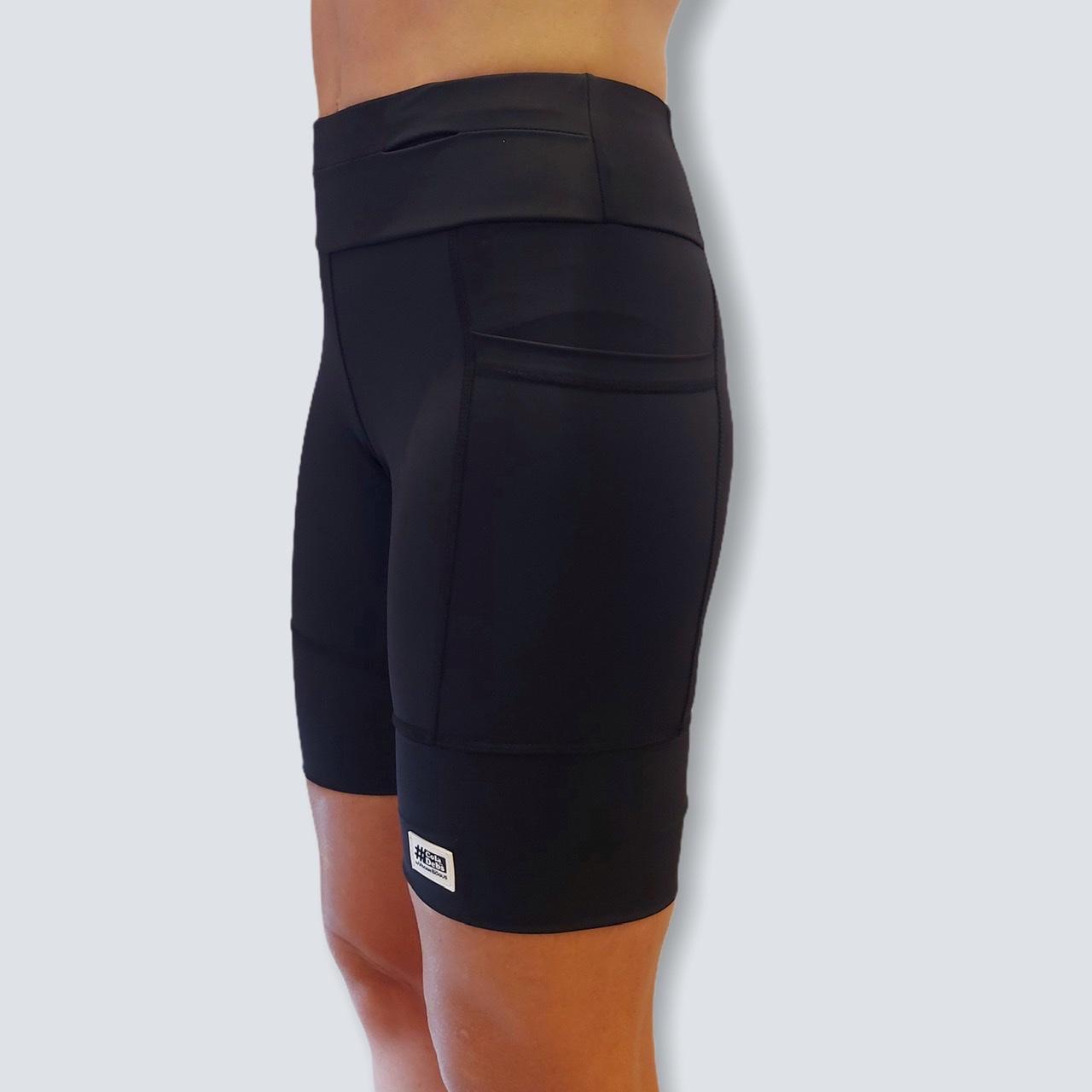 Bermuda de compressão masculina - unissex 1500 bolsos quadrados em sportiva preto  - Vivian Bógus