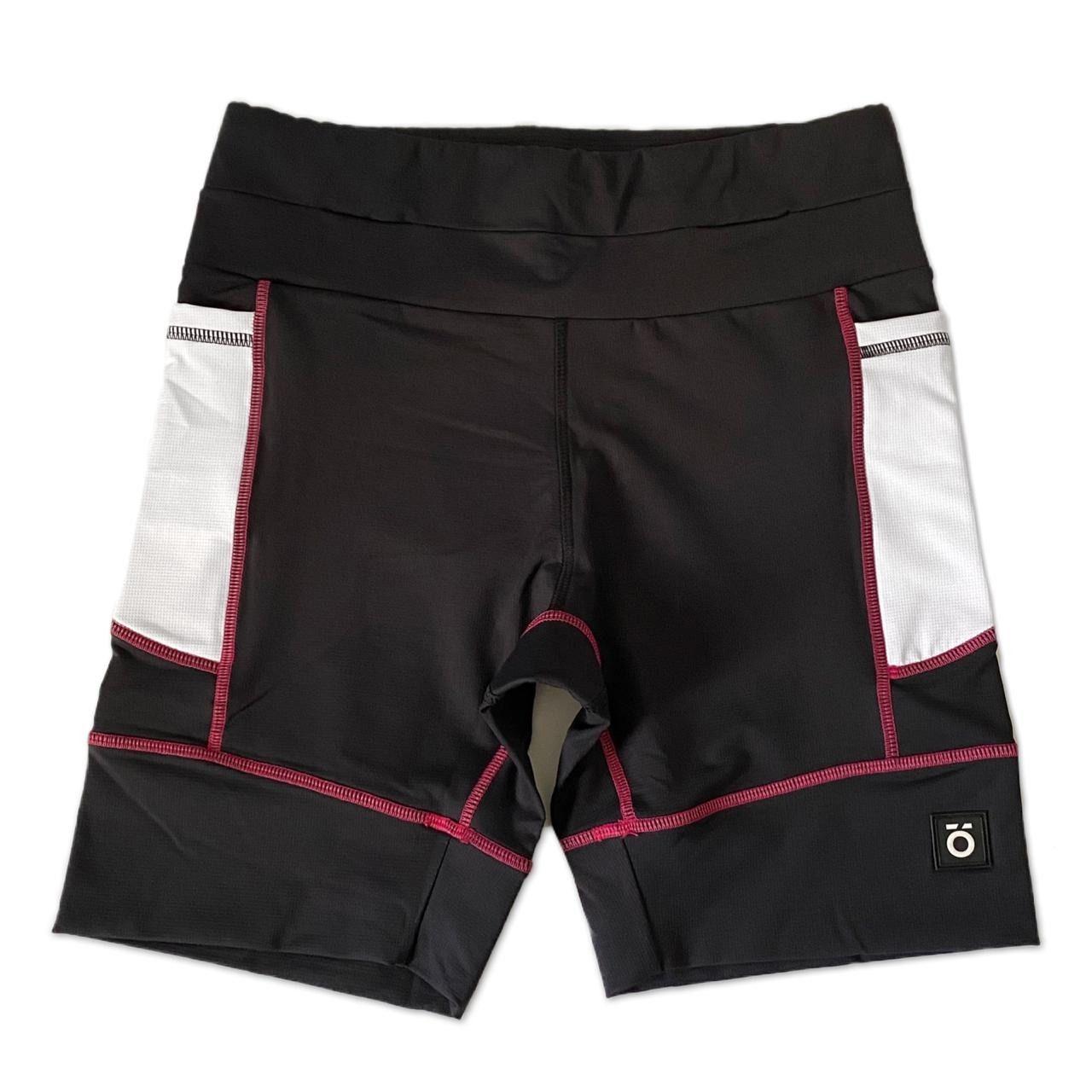 Bermuda de compressão modelagem unissex 1500 bolsos em compress preto bolsos brancos e costura rosa  - Vivian Bógus