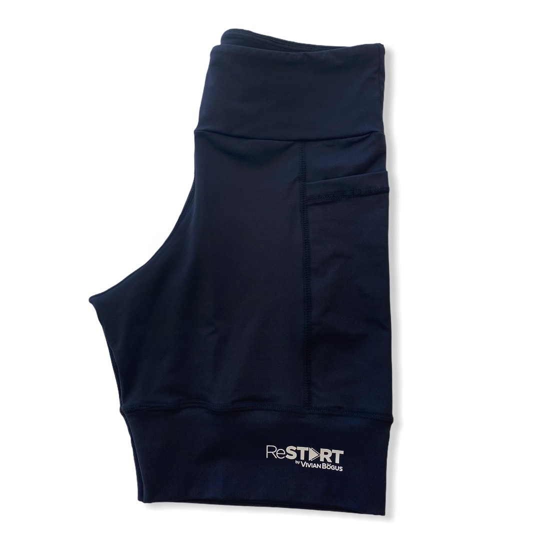 Bermuda de compressão ReStart  com bolsos laterais em bodytex preto (UNISSEX)  - Vivian Bógus