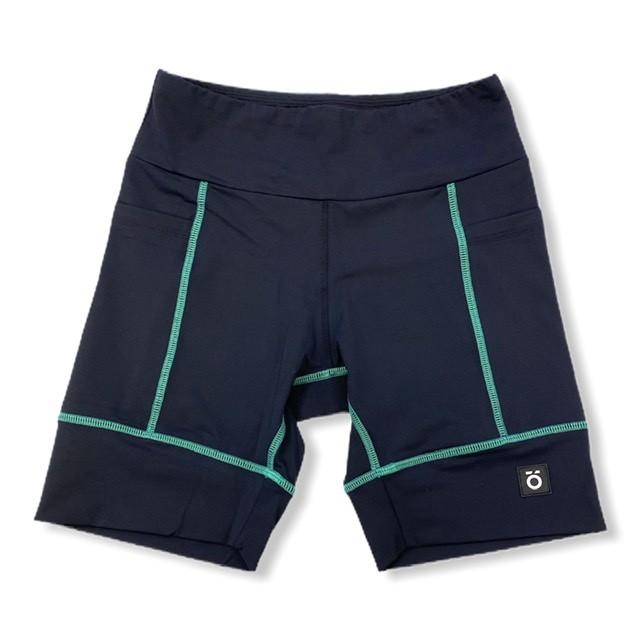 Bermuda de compressão unissex square em sportiva preto costura verde  - Vivian Bógus