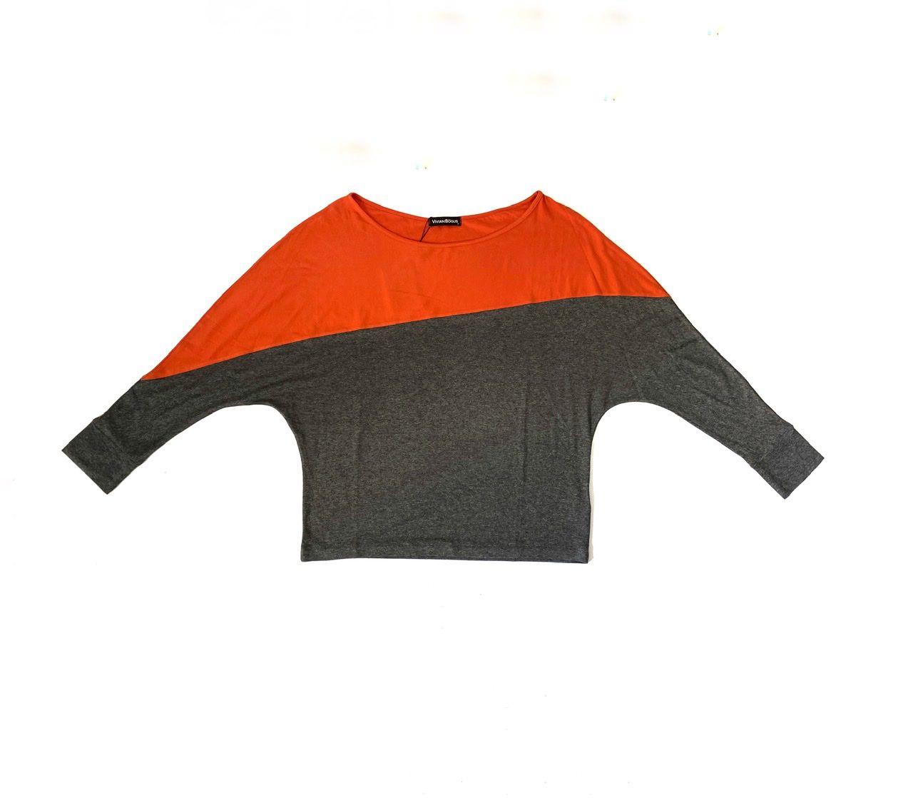Blusa bicolor morcego laranja e mescla em malha   - Vivian Bógus