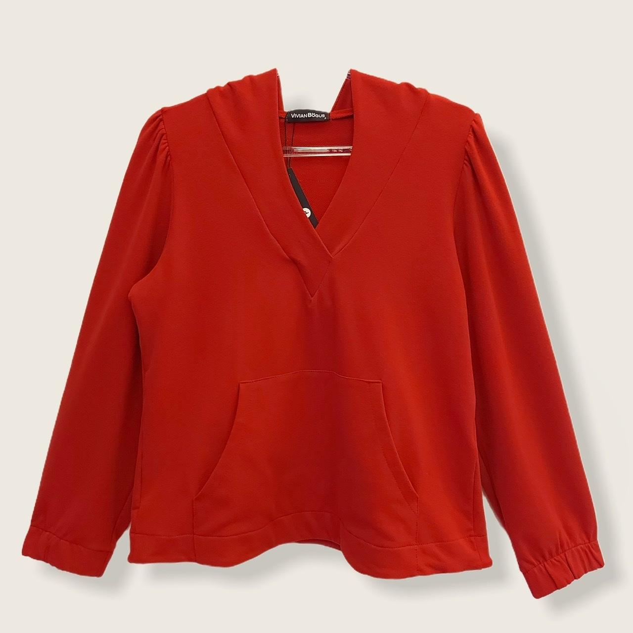Blusa Confort com capuz vermelha