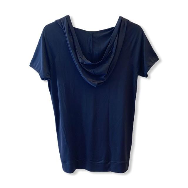 Blusa decote V com capuz  preta  - Vivian Bógus