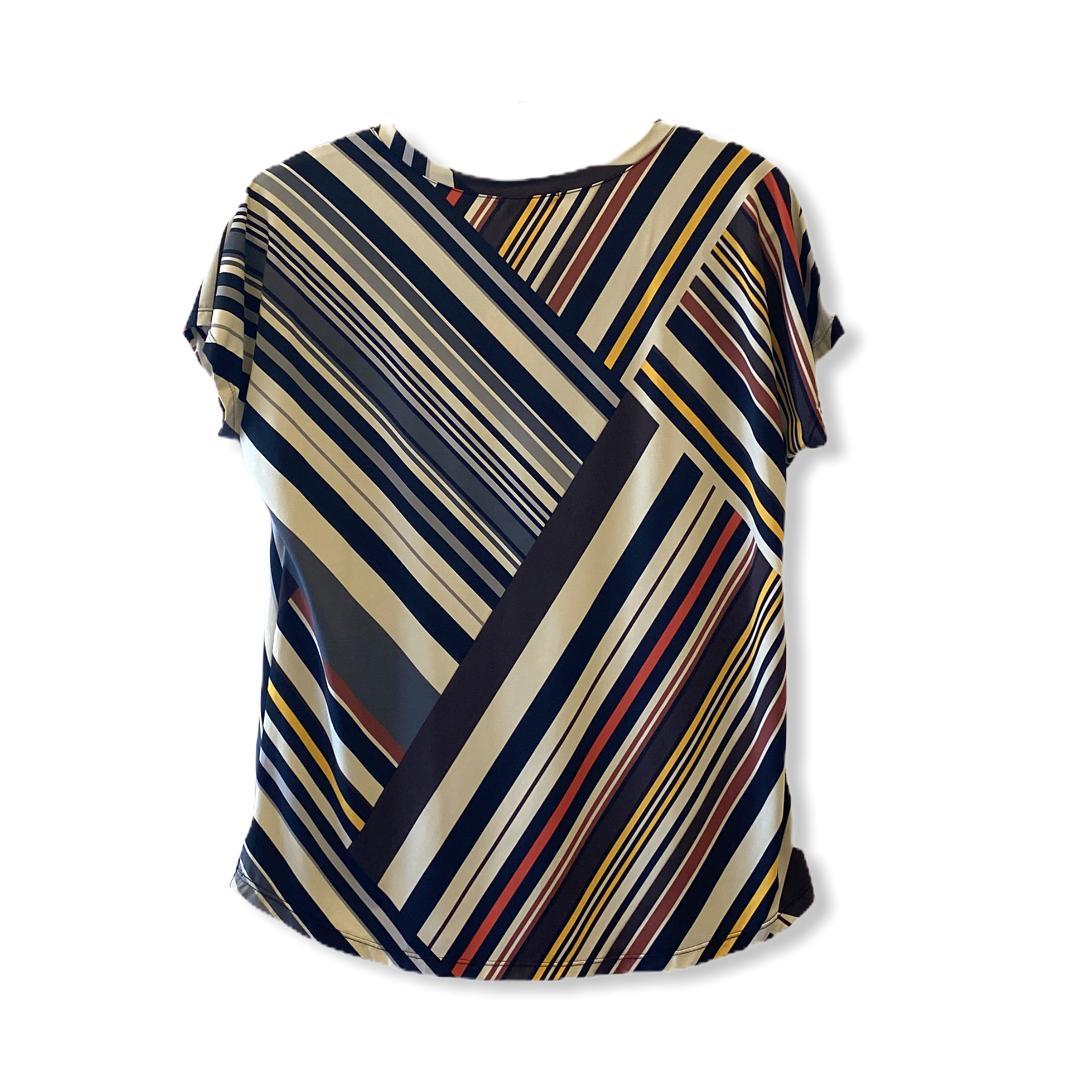 Blusa decote V em malha fria listras diagonais  - Vivian Bógus